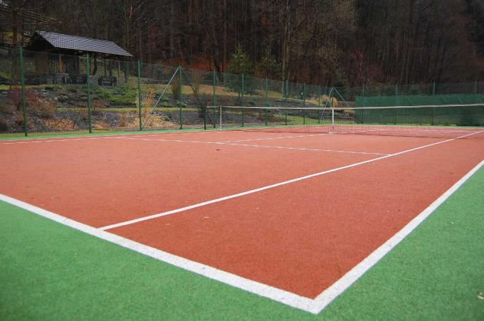 Fibrillated Yarn Type Tennis Court Artificial Grass 10mm Synthetic UV Resistant